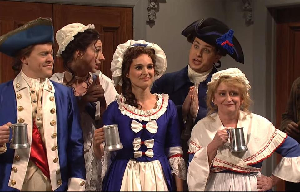 'SNL': Tina Fey, Rachel Dratch Return for Philadelphia vs. New England Showdown