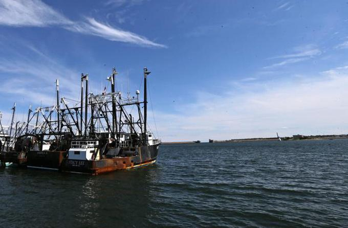 Desperate search for missing fishing boat off New Jersey coast