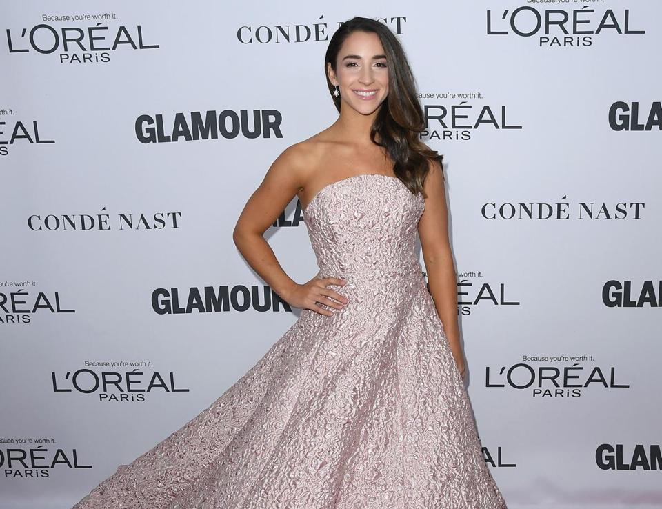 Survivor: Aly Raisman Poses Nude For Sports Illustrated Swimsuit Edition