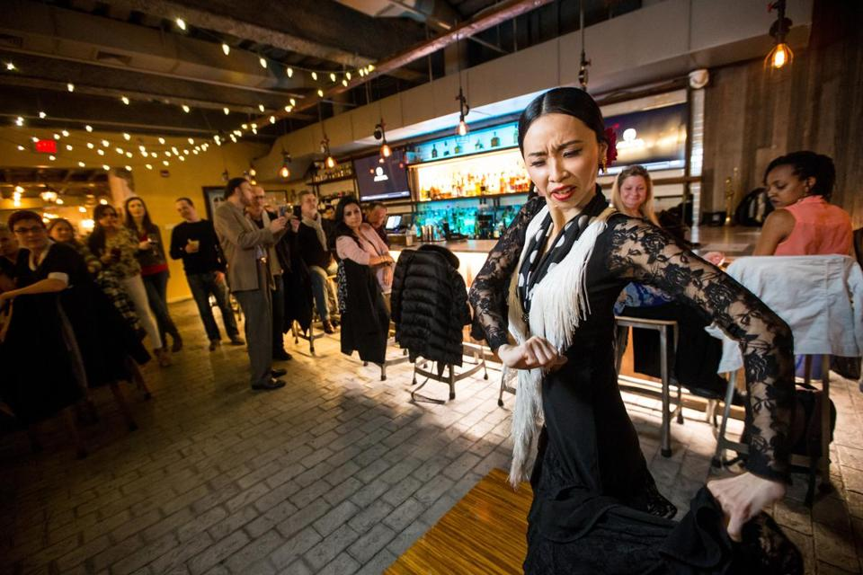 Yu-ling Hu danced at La Fábrica Central.