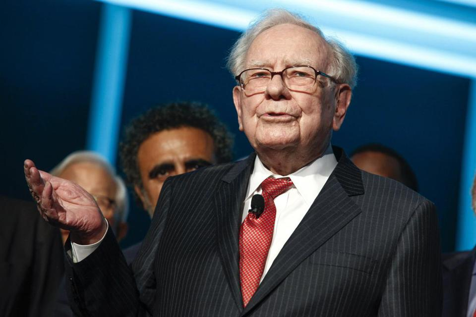 Warren Buffett Warns That Safe-Looking Bonds Can Be Risky