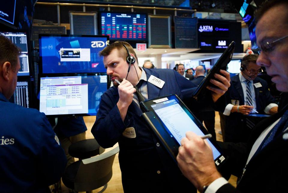 USA stocks close sharply lower on rate worries