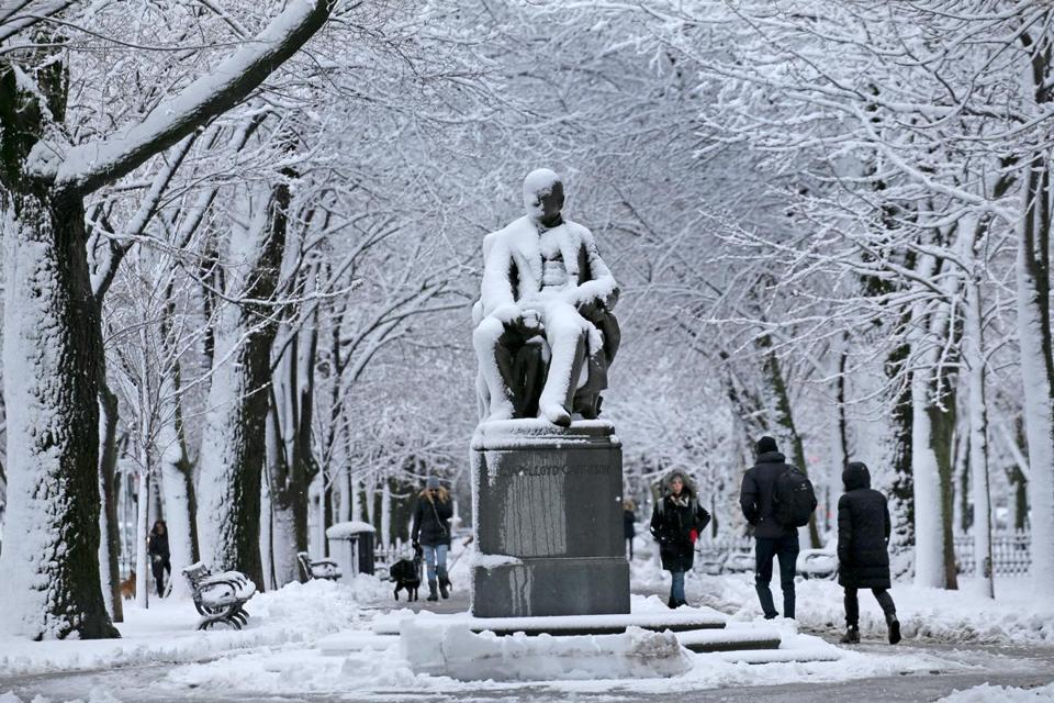 The Commonwealth Avenue mall looked like a winter wonderland Thursday.