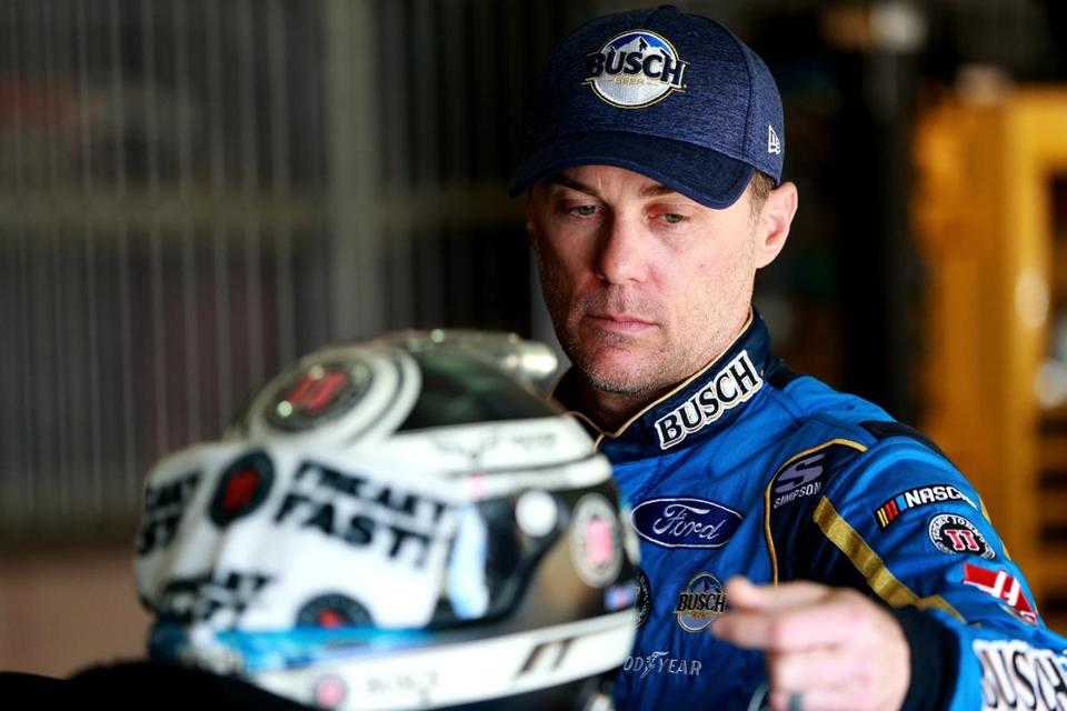 Kevin Harvick's quest for four-straight wins ends with early crash