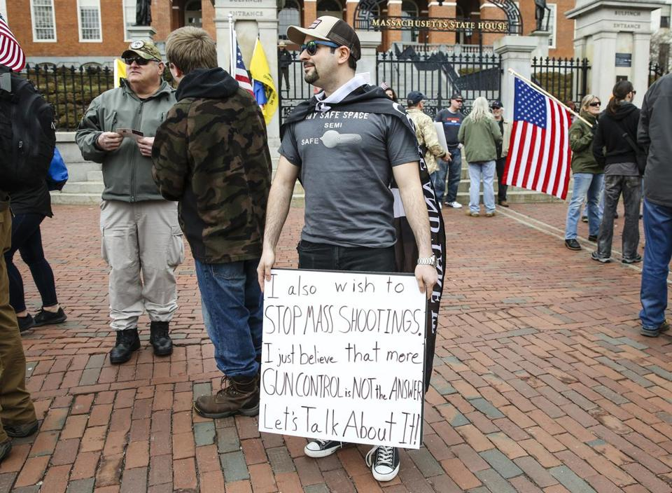 People rally for the second amendment at Americans for America
