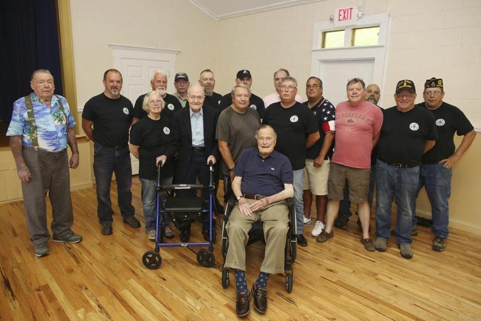 Former president George HW Bush back in the hospital