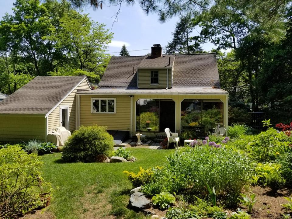 Jerry Shusterman and Carol Salo bought their house in Natick in 1979 for $60,000.