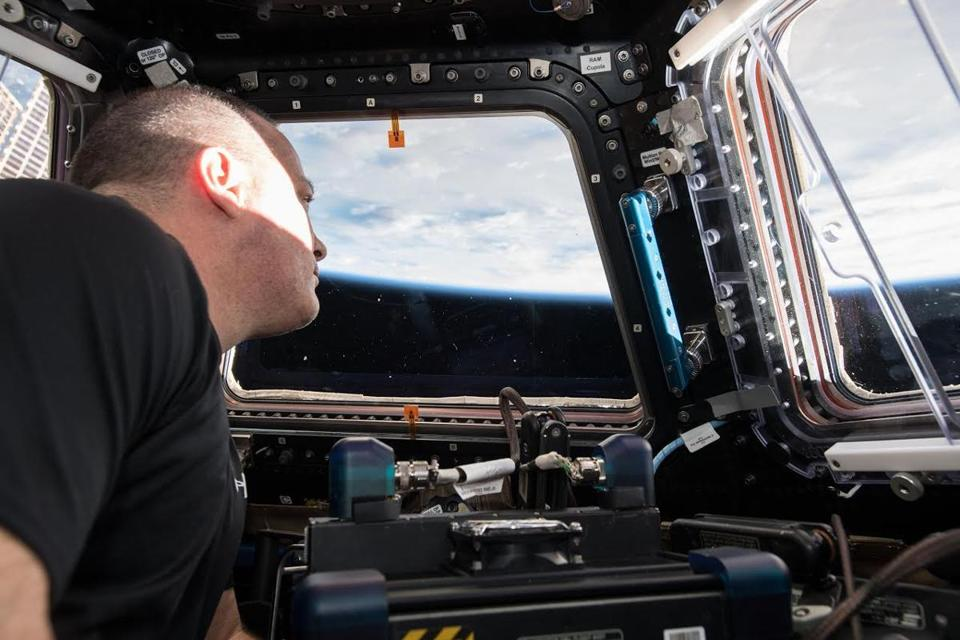 Watch Astronauts Fly To The Space Station