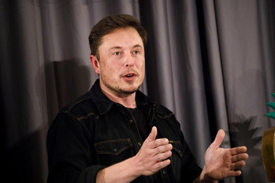 Mayor Emanuel Chooses Elon Musk To Build Hyperloop Tunnels To O'Hare