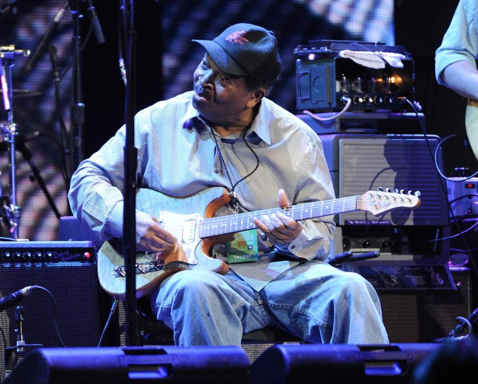 Mr. Murphy performed at Eric Clapton's Crossroads Guitar Festival in New York's Madison Square Garden in 2013.