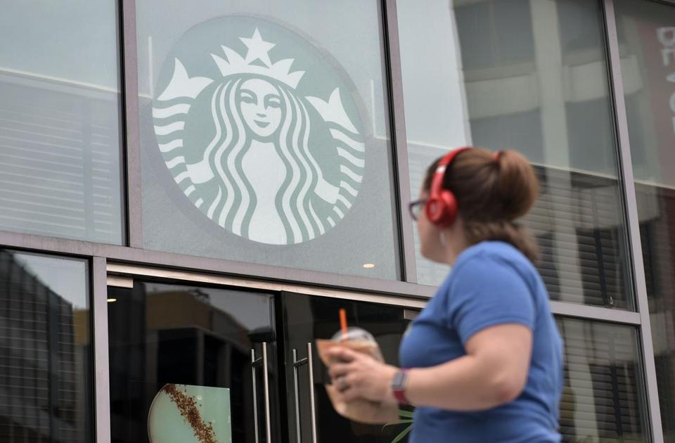 Starbucks to eliminate plastic straws in stores globally by 2020