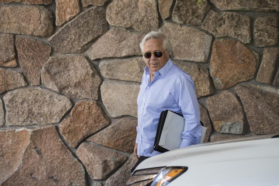SUN VALLEY, ID - JULY 10: Robert Kraft, owner of the New England Patriots football team and chief executive officer of the Kraft Group, arrives at the Sun Valley Resort for the annual Allen & Company Sun Valley Conference, July 10, 2018 in Sun Valley, Idaho. Every July, some of the world's wealthiest and most powerful business people in media, finance, technology and political spheres converge at the Sun Valley Resort for the exclusive week-long conference. (Photo by Drew Angerer/Getty Images)