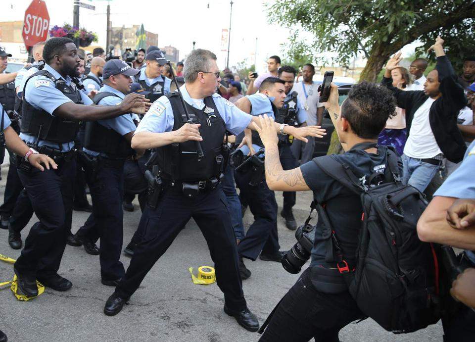 Violent protests in Chicago after man shot dead by police