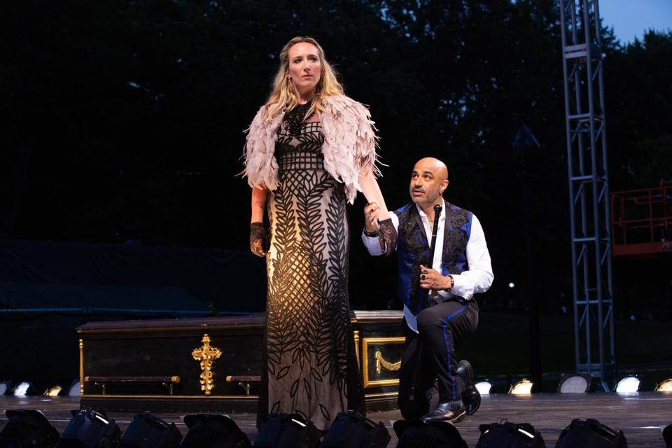 "22tickettheater - Libby McNight as Lady Anne and Faran Tahir as Richard in Commonwealth Shakespeare Company's Production of ""Richard III."" (Evgenia Eliseeva)"