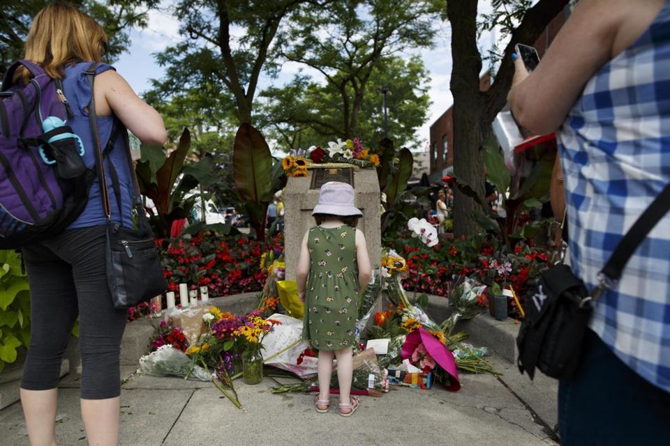 Gunman kills two, injures 13 in Greektown district of Toronto