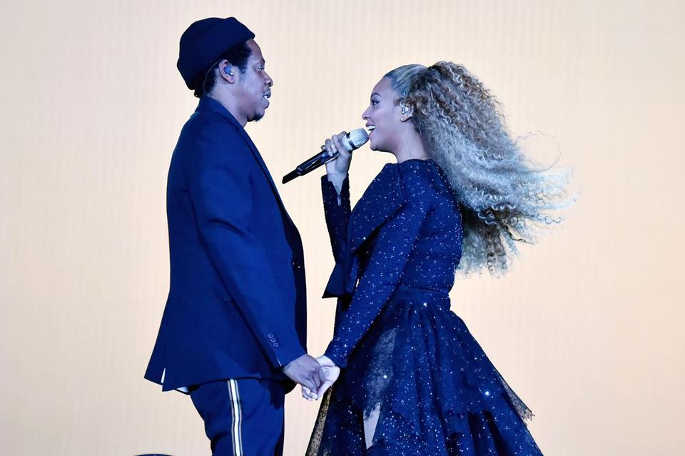 "CARDIFF, WALES - JUNE 06: Jay-Z and Beyonce Knowles perform on stage during the ""On the Run II"" tour opener at Principality Stadium on June 6, 2018 in Cardiff, Wales. (Photo by Kevin Mazur/Getty Images For Parkwood Entertainment) 05PowerCouples"