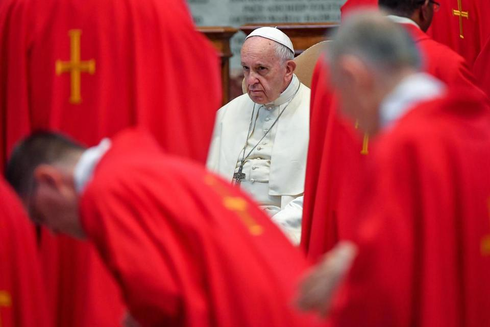 Pope Francis changes Catholic teaching on death penalty
