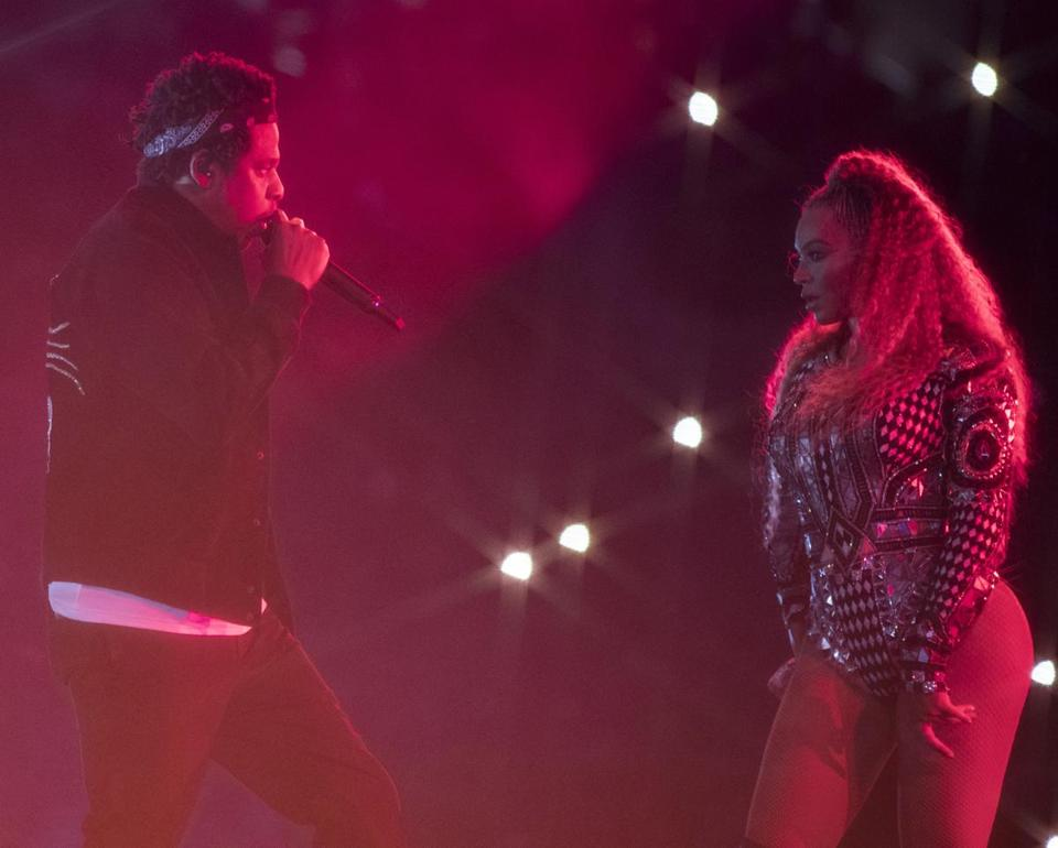 Jay-Z and Beyoncé perform at Gillette Stadium.