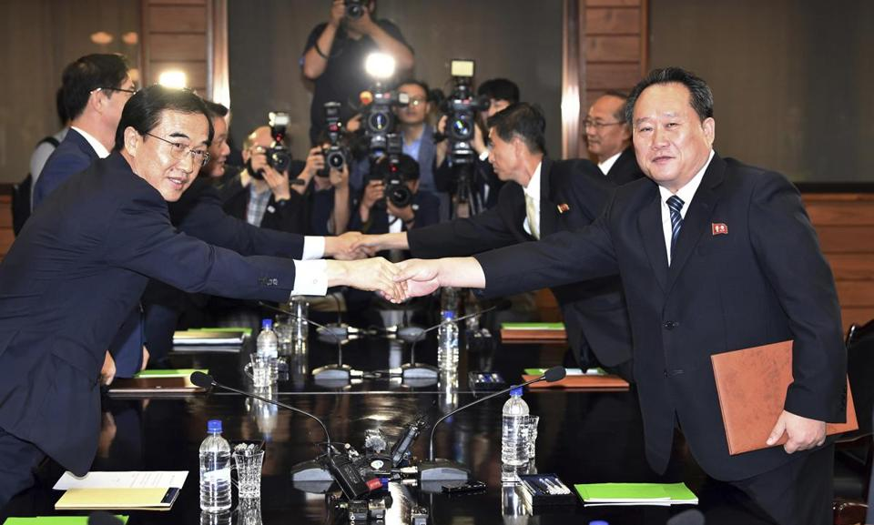 North, South Korea to hold talks before possible Pyongyang summit