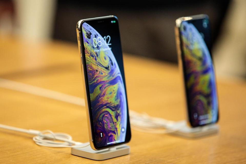 The iPhone XS Max and the iPhone XS offer an array of features, but carry pricetags of $1,000 and up.