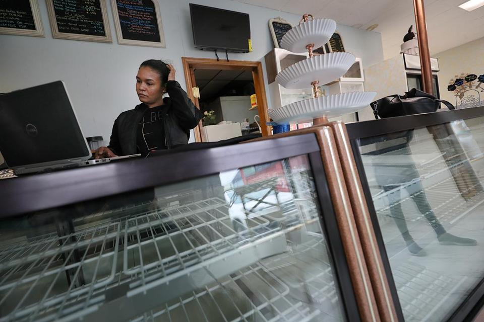 Elizabeth Bautista opened her bakery four months ago, but the gas fires that rocked the Merrimack Valley have left her without gas to cook.