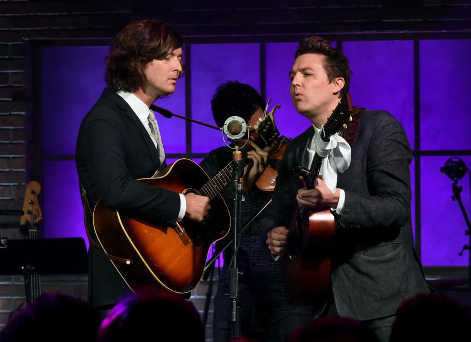 NASHVILLE, TN - SEPTEMBER 15: Joey Ryan and Kenneth Pattengale of The Milk Carton Kids perform onstage during Skyville Live Celebrates AmericanaFest with Graham Nash and special guests on September 15, 2017 in Nashville, Tennessee. (Photo by Rick Diamond/Getty Images for Skyville)
