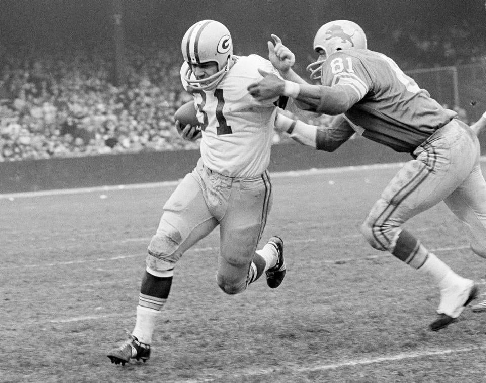 Jim Taylor epitomized coach Vince Lombardi's smashmouth offensive approach that ground down opponents.