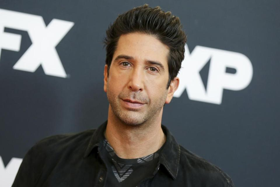 Cops Searching For A Ross From 'Friends' Look-Alike Suspected Of Theft