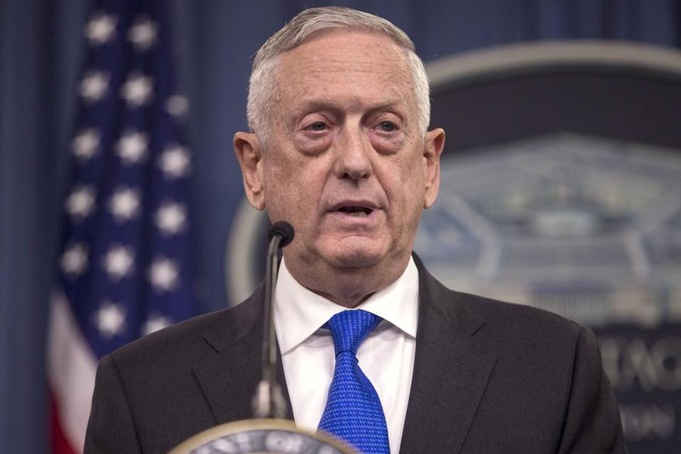 Mattis Wishes US Troops Merry Christmas, Tells Them to 'Hold the Line'
