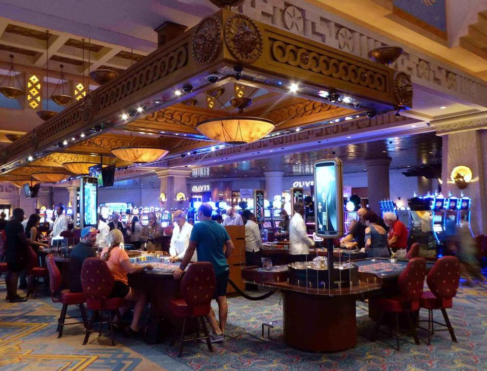 With 85 gaming tables and 700 slot machines, the casino at Atlantis in the Bahamas can be a busy place.