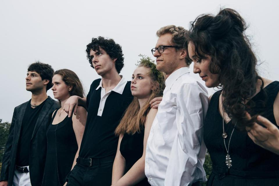 20weinforme - Night Tree is performing at the 2019 Revels FRINGE Concert Series. From left to right, Zach Mayer, Mckinley James, Chris Overholser, Lily Honigberg, Julian Loida, Sunniva Brynnel. (Patrick Kolts)