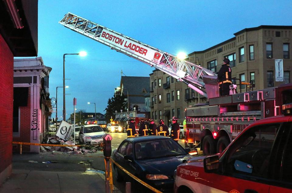 Boston, MA - 11/4/18 - Building facades collapsed onto the sidewalk, on Harvard Avenue, in Allston, causing injuries. Photo by Pat Greenhouse/Globe Staff Topic: 005buildingMetro Reporter: John Hilliard, Jerome Campbell