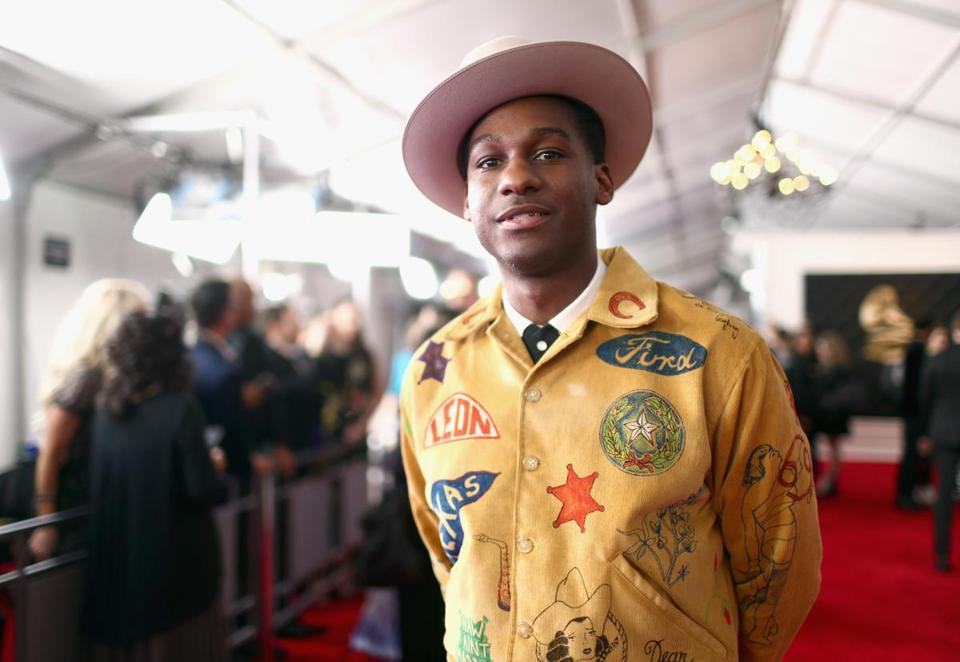 Leon Bridges said his loud outfit was in homage to Texas.