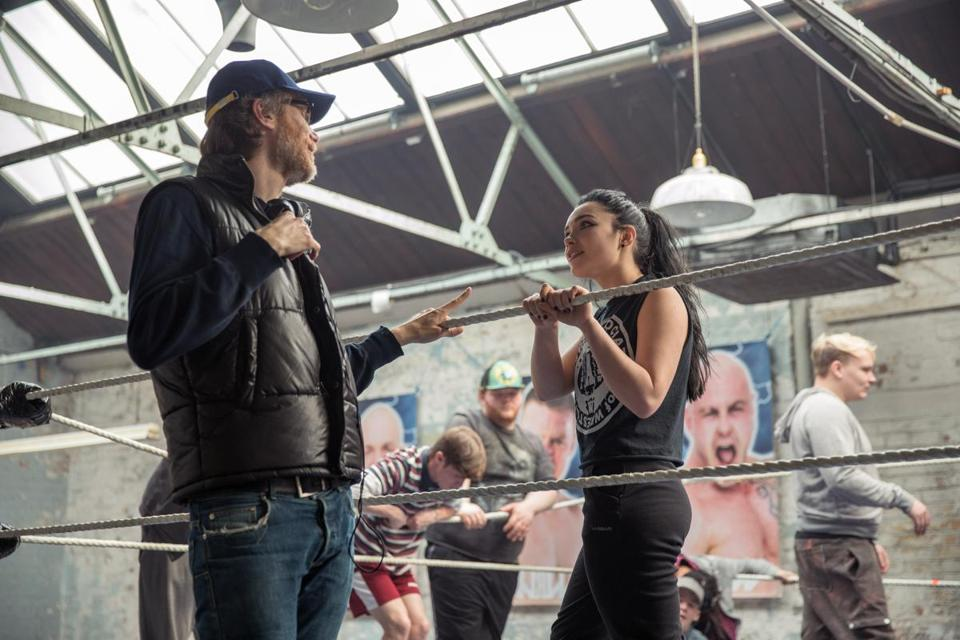 Director Stephen Merchant (left) and actor Florence Pugh (right) on the set of FIGHTING WITH MY FAMILY, a Metro Goldwyn Mayer Pictures film. Credit: Robert Viglasky / Metro Goldwyn Mayer Pictures © 2018 Metro-Goldwyn-Mayer Pictures Inc.Ê All Rights Reserved.