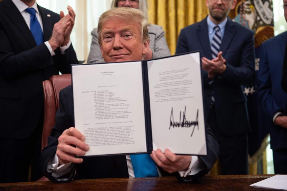 Trump signs directive explaining his 'Space Force'