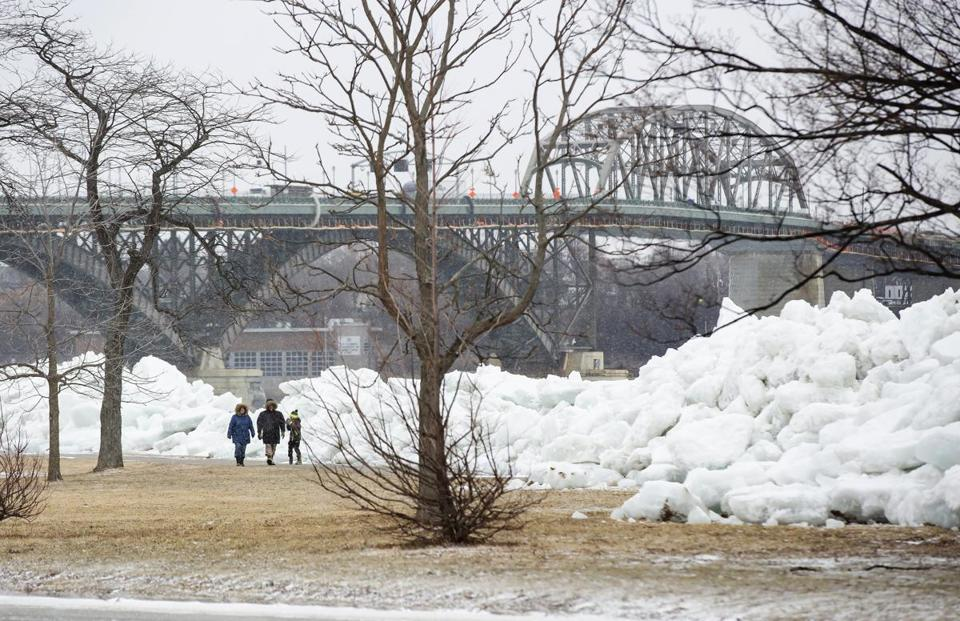 Ice Tsunami: Photos & Videos