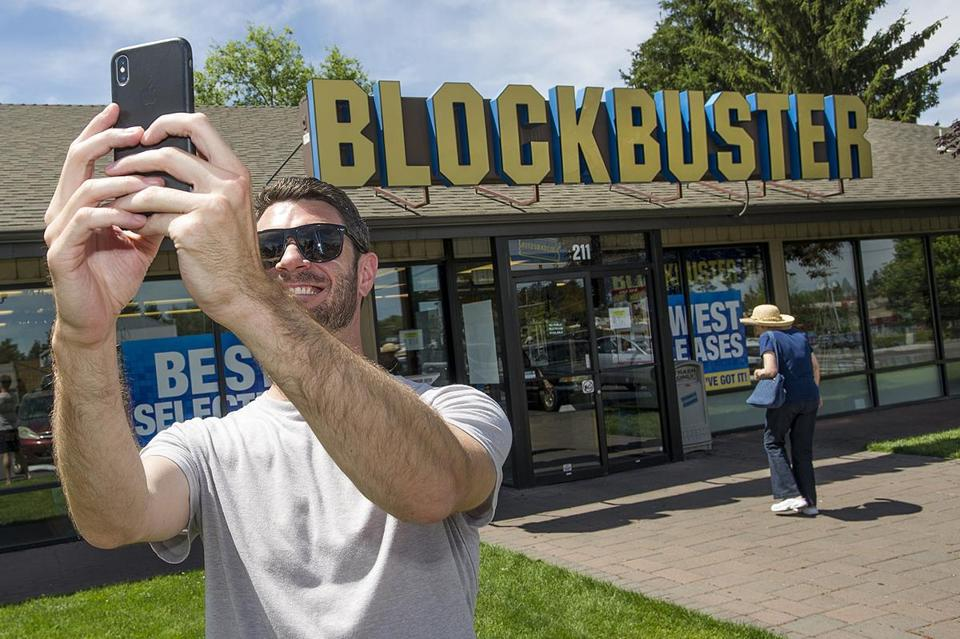There's now only 1 Blockbuster left on the planet