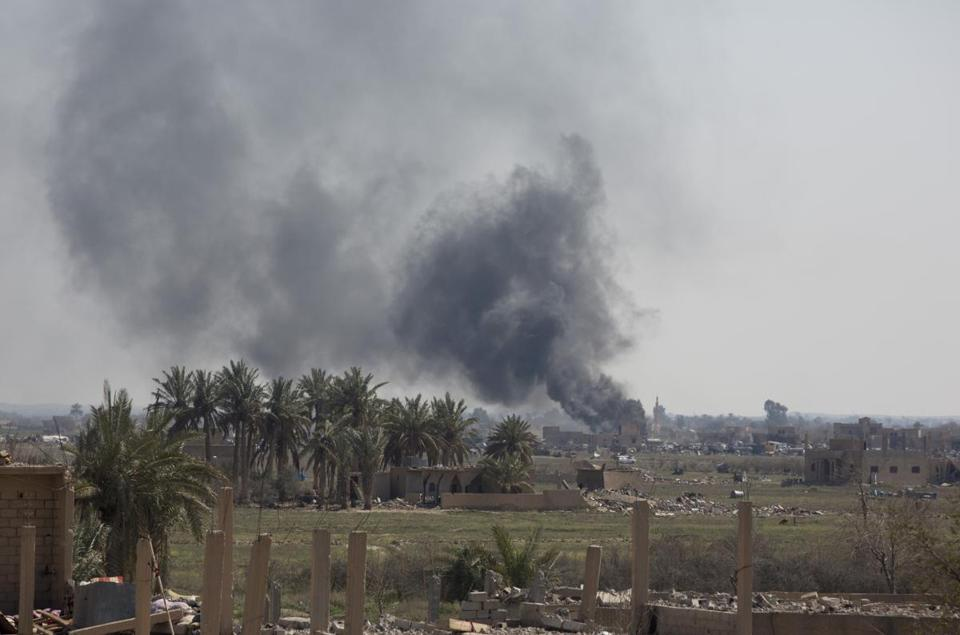 IS militants stage counter-attack from final stronghold