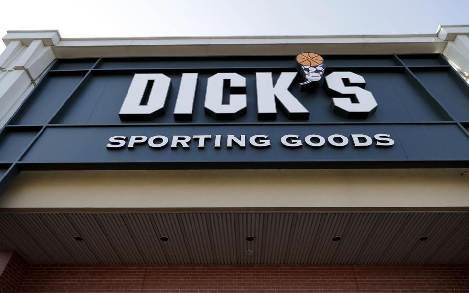 Dick's Sporting Goods to remove guns from 125 more stores