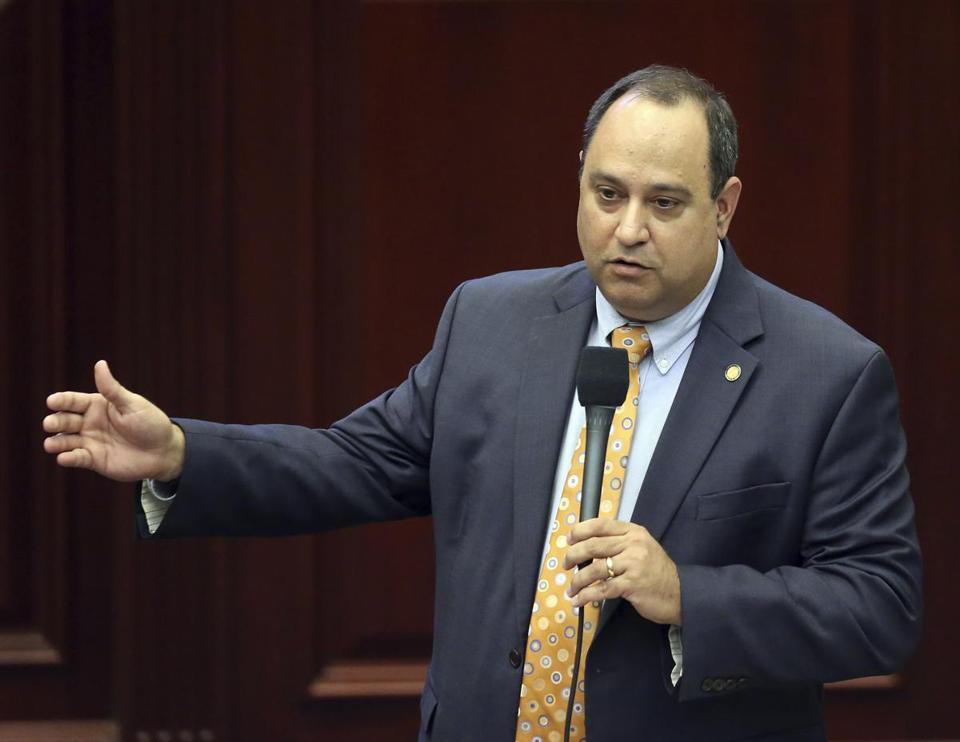Florida Legislature Passes Bill To Repeal Smokable Medical Marijuana Ban