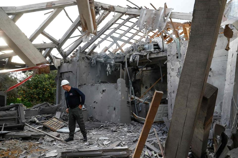 Rocket fired into Israel from Gaza stokes fears of major clashes