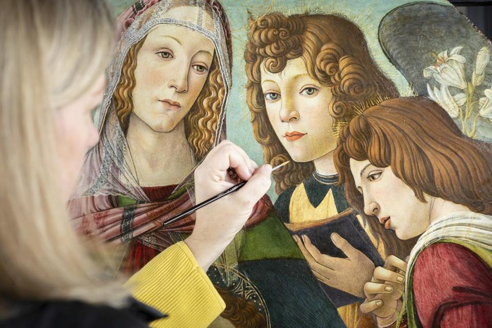 After stripping back a century of yellowing varnish and surface dirt, it was determined that the painting thought to be a fake Sandro Botticelli in fact came from the master's own Florence workshop.