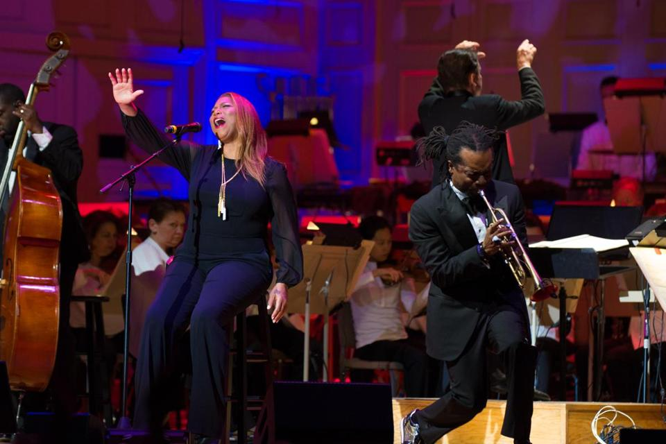 12Latifah Queen Latifah with trumpet Dontae Winslow and Keith Lockhart and the Boston Pops 5.10.17 (Robert Torres)2.jpg