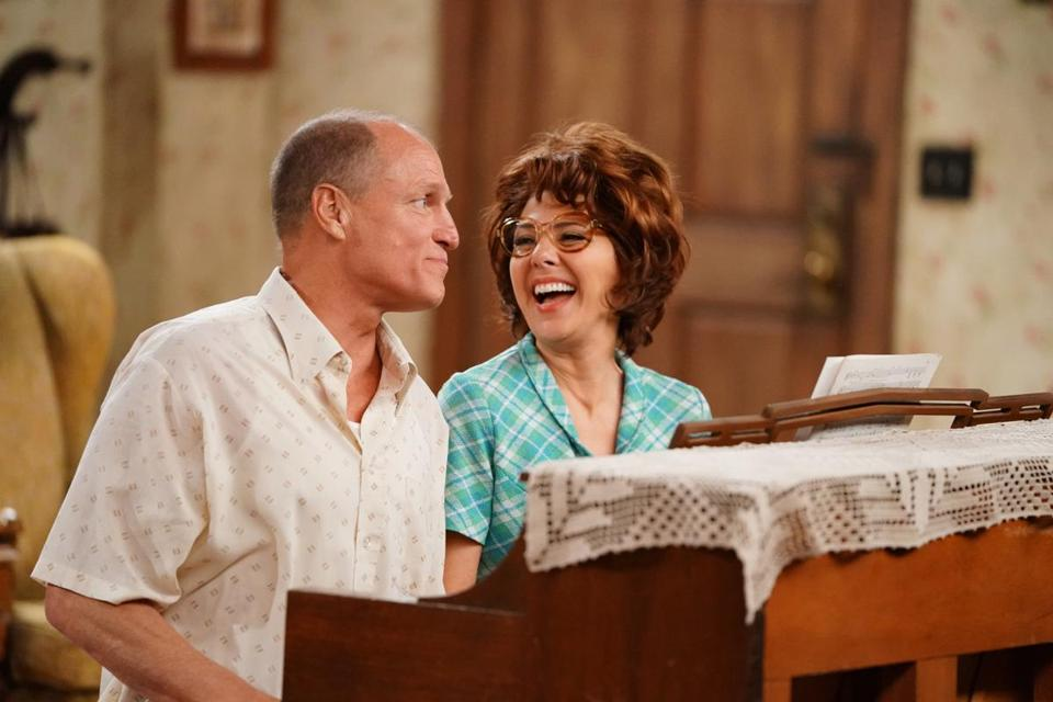 "Woody Harrelson and Marisa Tomei as Archie and Edith Bunker in ""Live in Front of a Studio Audience: Norman Lear's 'All in the Family' and 'The Jeffersons.'"""