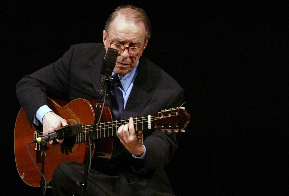Mr. Gilberto, performing on his guitar at Carnegie Hall in New York, was considered one of the fathers of the bossa nova genre.