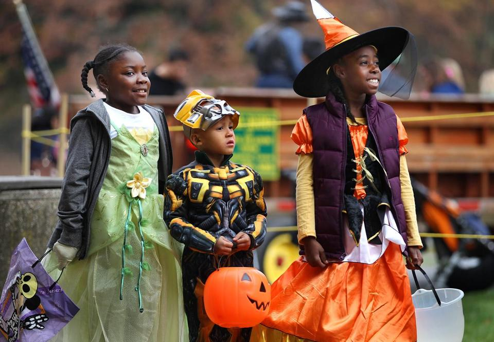 Zoo Howl draws costume-clad visitors to Franklin Park Zoo.