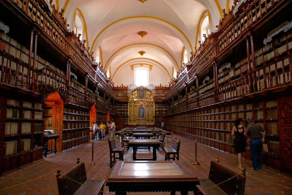 The Biblioteca Palafoxiana, the oldest library in Latin America.