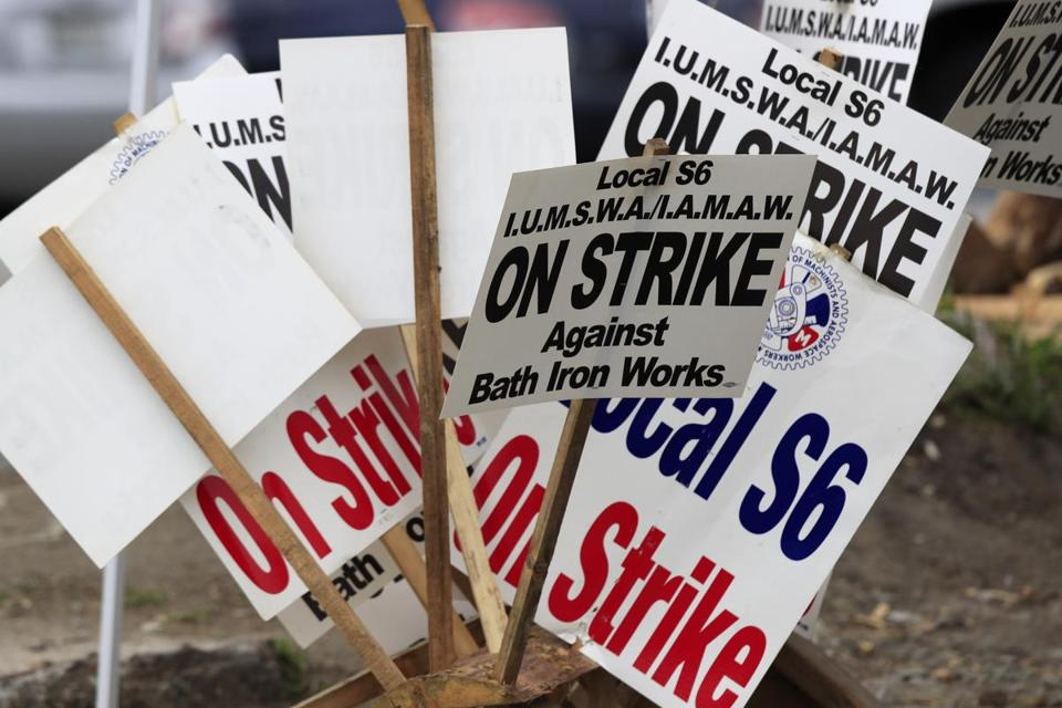 Union shipbuilders at Bath Iron Works in Bath, Maine, ended a 63-day strike Sunday, voting 87 percent in favor of a new contract.