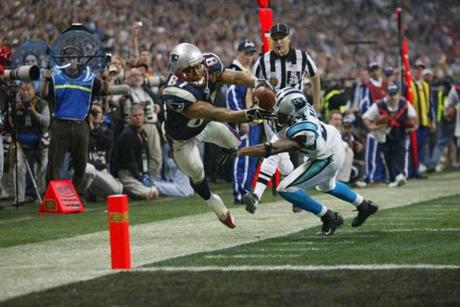 David Givens took a pass from Tom Brady down to the 1-yard line late in the fourth quarter to set up a t