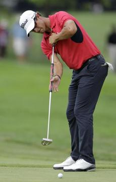Adam Scott is among a growing group of PGA pros making the long putter popular again.